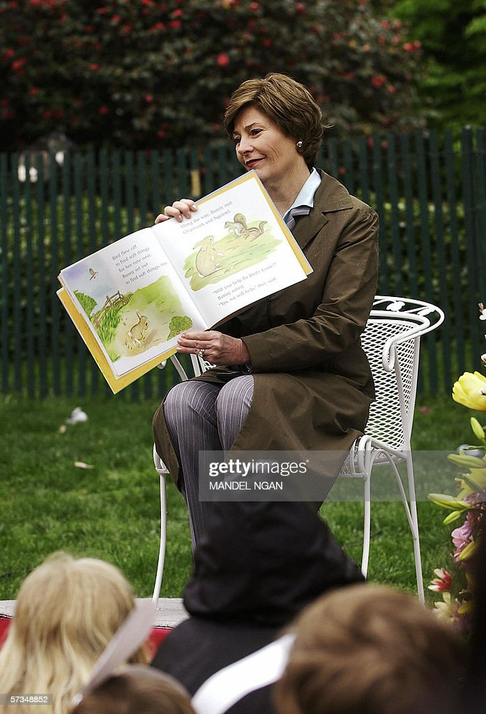 First Lady Laura Bush reads a story to c : News Photo