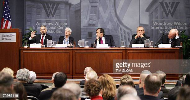 """Washington, UNITED STATES: Panelists participate in a discussion on """"Options for US Policy towards the Arab-Israeli Conflict"""" 15 November 2006 at the..."""