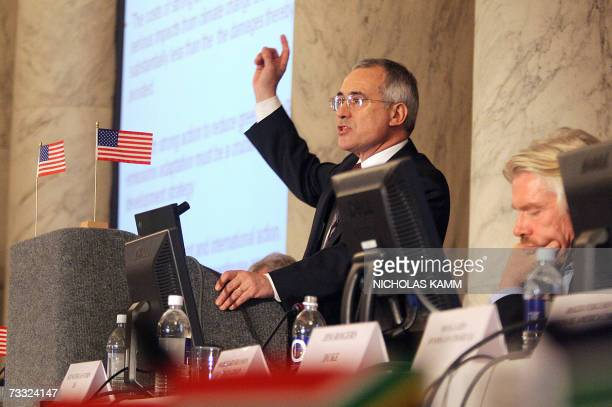 Washington, UNITED STATES: Sir Nicholas Stern, author of the Stern Review of the Economics of Climate Change and head of the British Government...