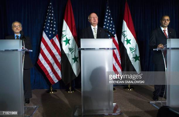 Washington, UNITED STATES: US Energy Secretary Samuel Bodman speaks during a news conference with Iraqi Minister of Oil Hussein al-Shahristani and...