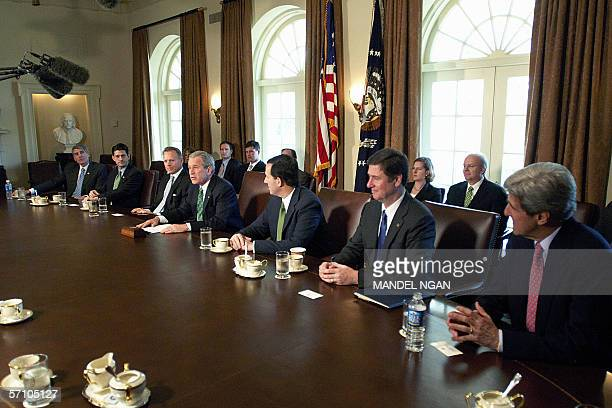 Washington, UNITED STATES: US President George W. Bush meets with members of Congress, including Representative David Dreir , Republican of...
