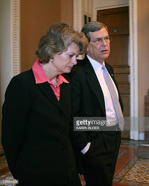 US Senator Trent Lott RMS chats with Sen Lisa Murkowski RAK as they walk to the old Senate chamber to vote for the new Republican leadership 15...