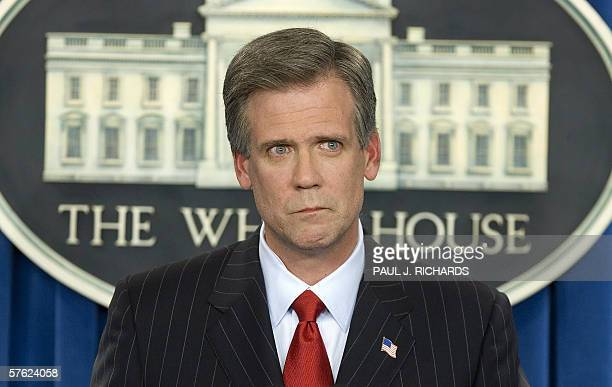White House Press Secretary Tony Snow chokesup and collects his thoughts for a moment when asked by a reporter personal questions about his fight...