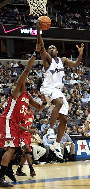 605658a06d0f Washington Wizards Gilbert Arenas (0) scores over Atlanta Hawks Shelden  Williams (33)