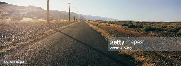 USA, Washington, Yakima Ridge, empty highway