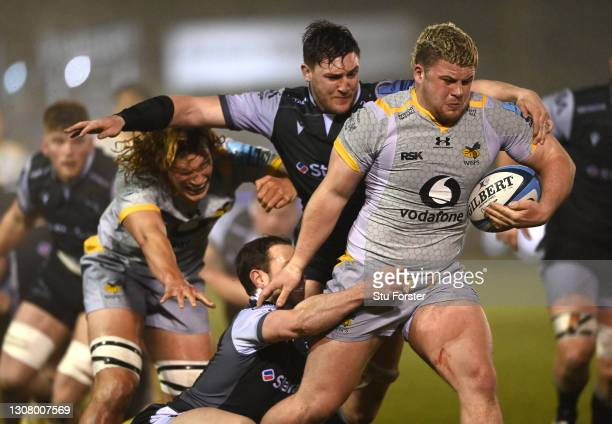 Wasps forward Alfie Barbeary on the charge during the Gallagher Premiership Rugby match between Newcastle Falcons and Wasps at Kingston Park on March...