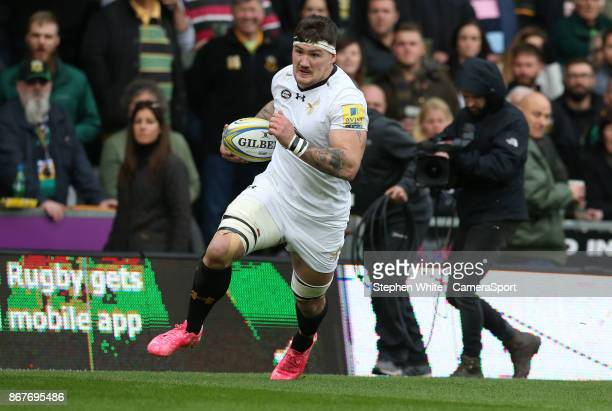 during the Aviva Premiership match between Northampton Saints and Wasps at Franklin's Gardens on October 28 2017 in Northampton England NORTHAMPTON...