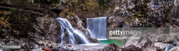 wasserkraft trifft natur - natur photos et images de collection