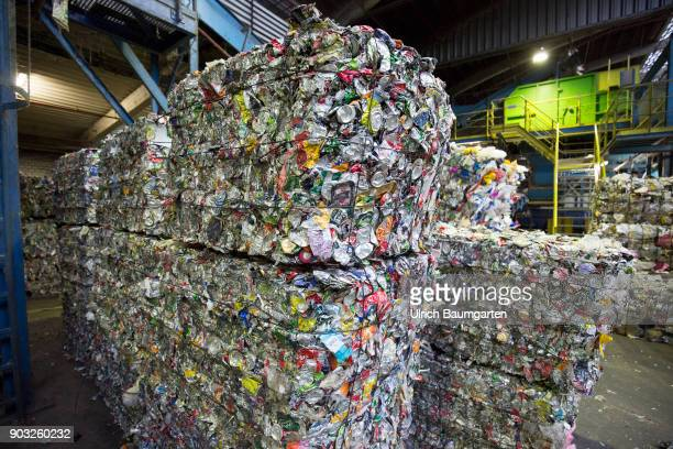 Waste disposal and processing of rubbish at the ENG disposal Niederrhein mbH in Krefeld The picture shows metal cans