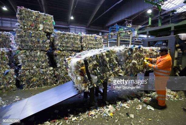 Waste disposal and processing of rubbish at the ENG disposal Niederrhein mbH in Krefeld The picture shows a baler for mixed plastics