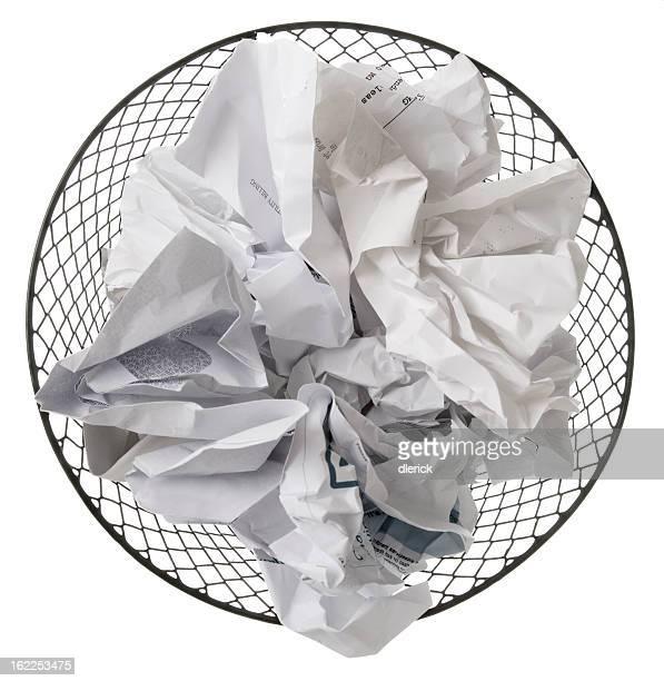 Papelera de papel usado completo