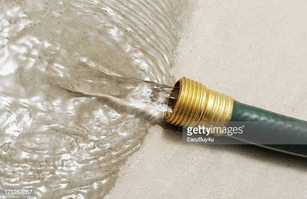Wasser zu verschwenden.