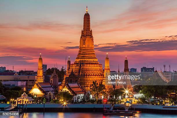 Wat Arun at beautiful sunset, Bangkok, Thailand.