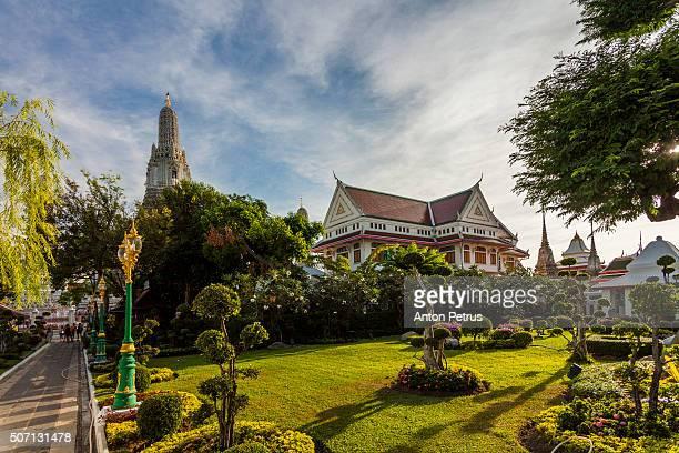 wat arun (temple of dawn), bangkok, thailand. - anton petrus stock pictures, royalty-free photos & images