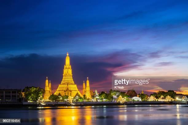 Wat arun, golden buddhist temple, is a famous landmark to travel