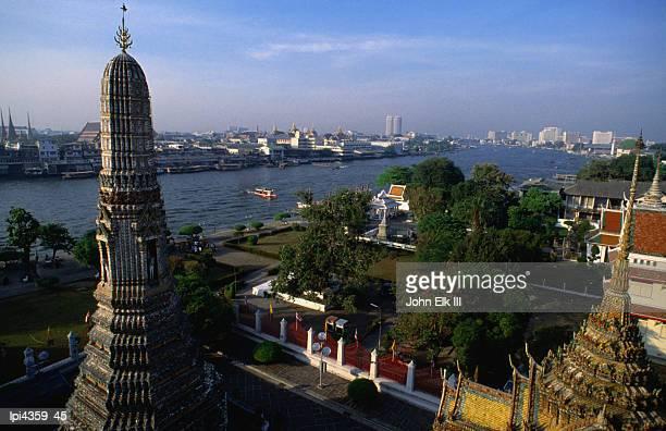 wat arun stupa, bangkok, thailand - laeken stock pictures, royalty-free photos & images