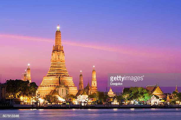 Wat Arun Temple at sunset in Bangkok, Thailand