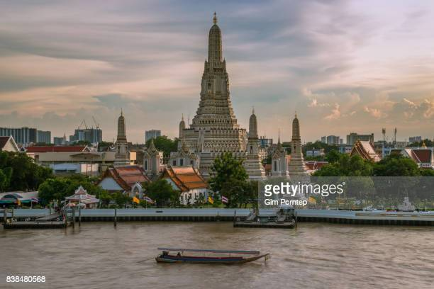 Wat arun temple in bangkok , thailand