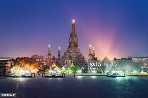 Wat Arun templo Sunset Bangkok Tailandia