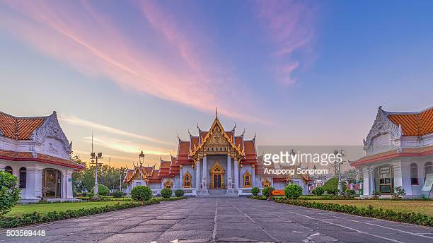 wat benchamabophit is a buddhist temple (wat) in the dusit district of bangkok, thailand - wat benchamabophit stock photos and pictures