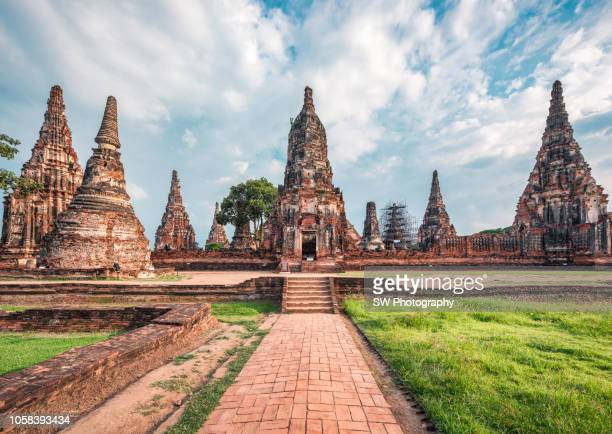 wat chaiwatthanaram - ayuthaya province stock pictures, royalty-free photos & images