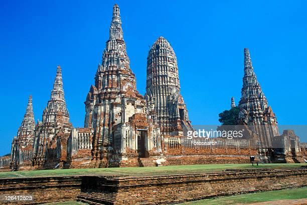 wat chang lom ancient buddhist temple at sri satchanaiai historical park, thailand - sukhothai stockfoto's en -beelden