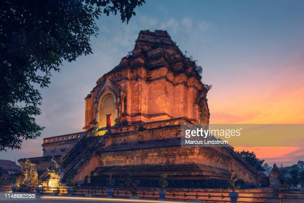 wat chedi luang, chiang mai - indochina stock pictures, royalty-free photos & images