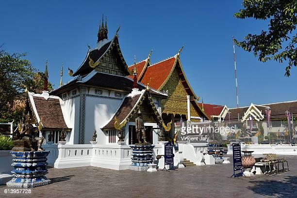 wat chedi luang temple chiang mai thailand asia - reyes magos de oriente fotografías e imágenes de stock