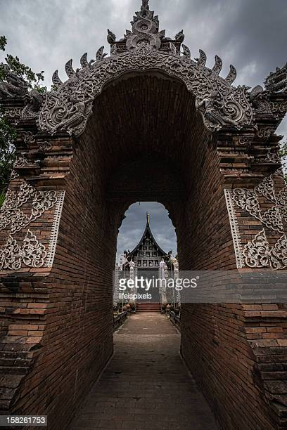 wat lok moli - entrance - lifeispixels stock pictures, royalty-free photos & images