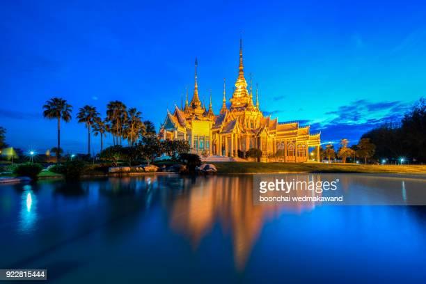 wat non kum in nakhonratchasima province thailand - sukhothai stockfoto's en -beelden