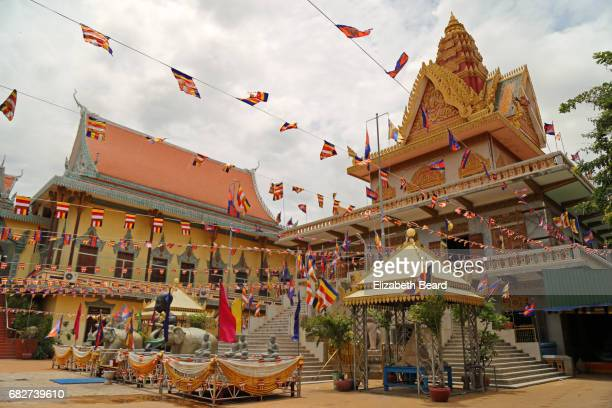wat ounalom, phnom penh, cambodia - phnom penh stock pictures, royalty-free photos & images