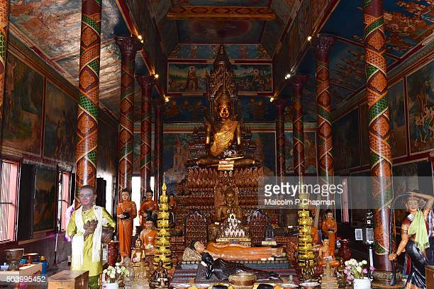 """wat phnom, buddhist temple, phnom penh, cambodia - cambodia """"malcolm p chapman"""" or """"malcolm chapman"""" stock pictures, royalty-free photos & images"""