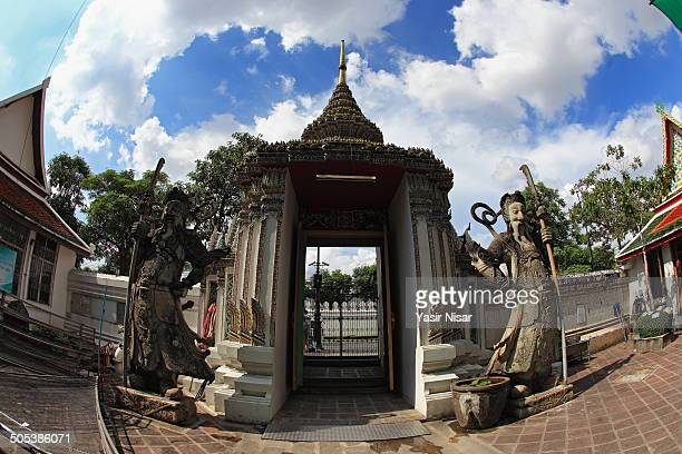 wat pho complex - yasir nisar stock photos and pictures