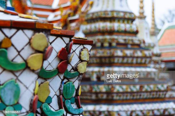 wat pho decoration close up - wat pho stock pictures, royalty-free photos & images