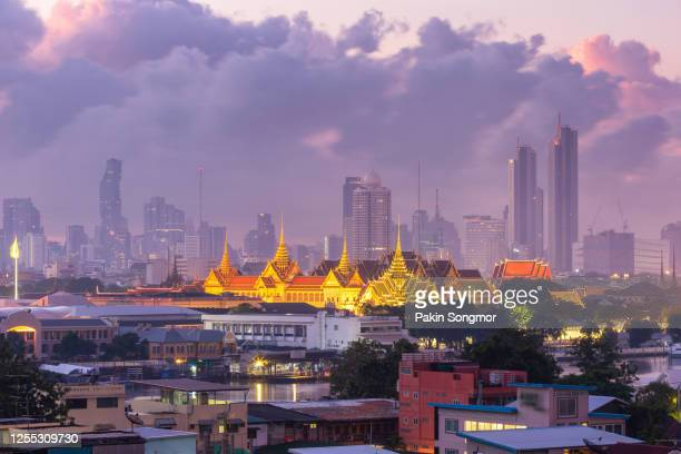 wat phra kaew ancient temple and grand palace in bangkok - palace stock pictures, royalty-free photos & images