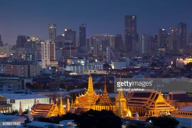 Wat phra kaew 'emerald buddha' grand palace aerial view at night