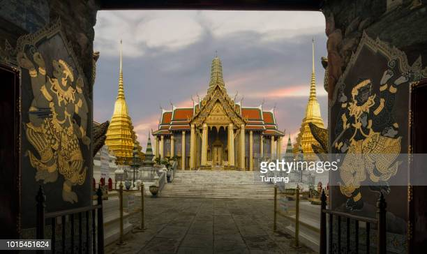 wat phra kaew or as the temple of the emerald buddha and officially as wat phra si rattana satsadaram ,asia, thailand - place of worship stock pictures, royalty-free photos & images