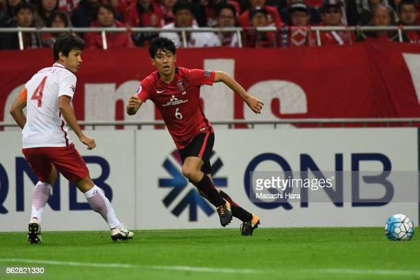 Wataru Endo of Urawa Red Diamonds in action during the AFC Champions League semi final second leg match between Urawa Red Diamonds and Shanghai SIPG...