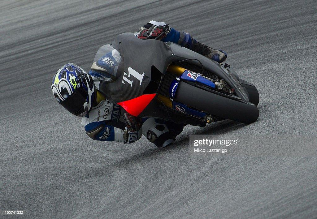Wataru Yoshikawa of Japan and Yamaha Factory Racing (test rider) rounds the bend during the MotoGP Tests in Sepang - Day Three at Sepang Circuit on February 5, 2013 in Kuala Lumpur, Malaysia.