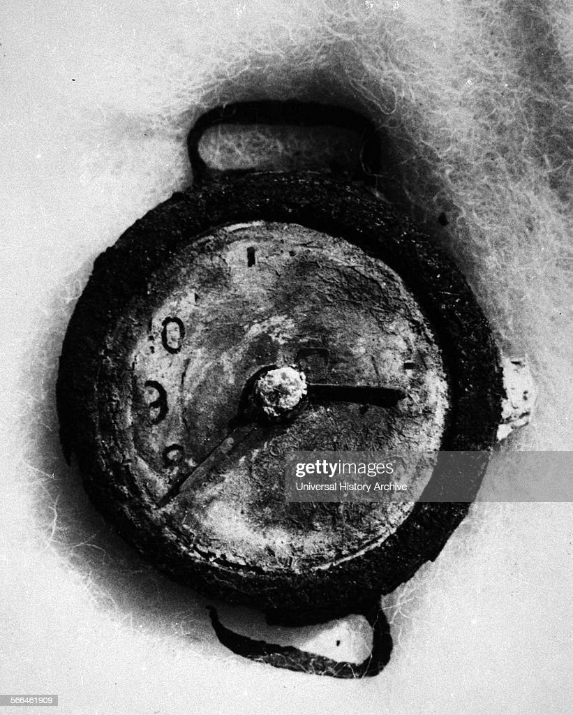 A watch stopped at 08:15 AM found in Hiroshima. : News Photo