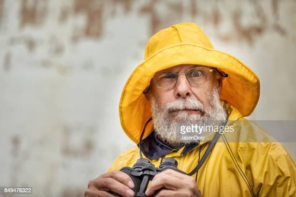 œil vigilant du gardien du phare - marin photos et images de collection