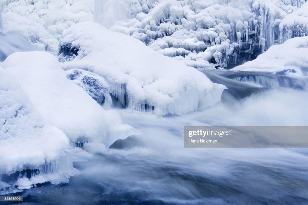 Water and ice detail at Webster's Falls : Stock-Foto