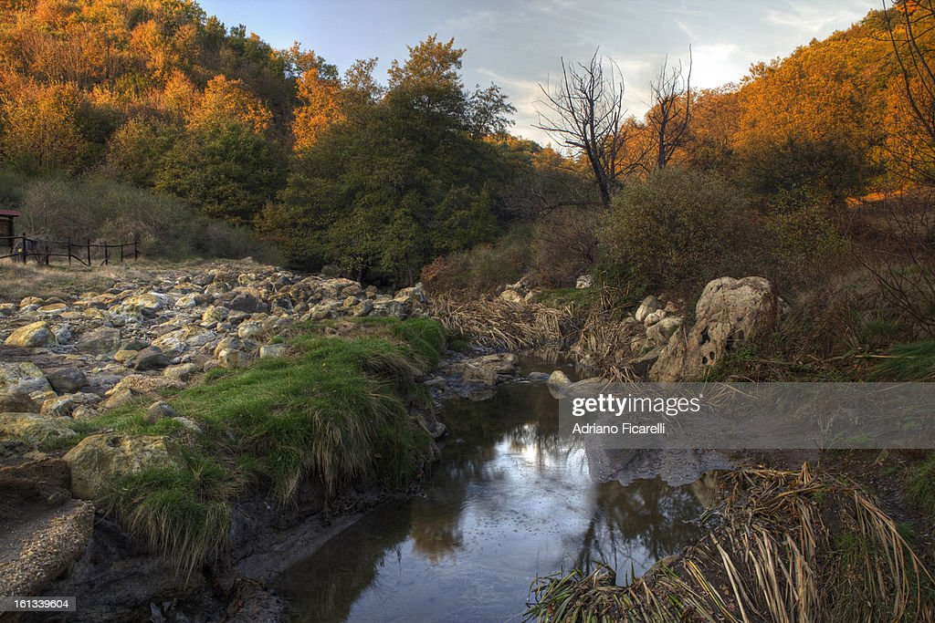 Water and sulfur : Foto stock