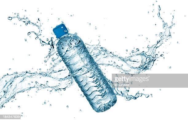 Flasche Wasser mit splash