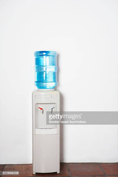 water cooler - water cooler stock pictures, royalty-free photos & images
