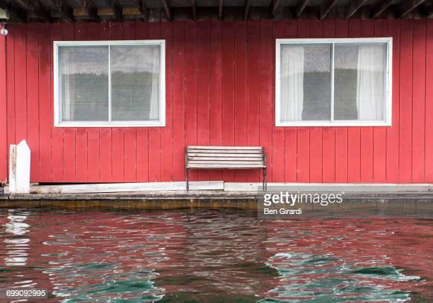 water edge - スカネアトレス湖 ストックフォトと画像