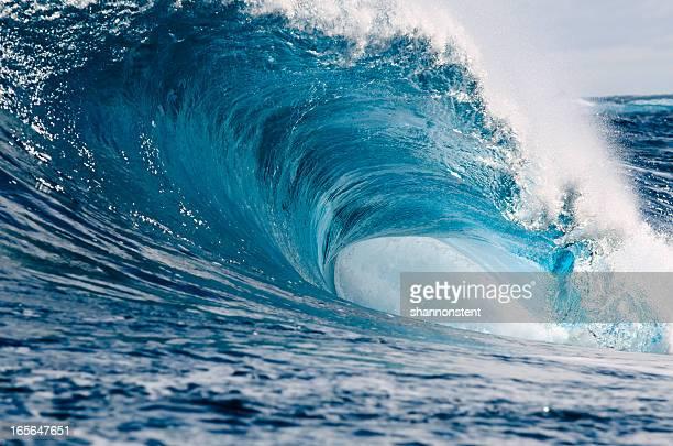 wasser und energie - welle stock-fotos und bilder