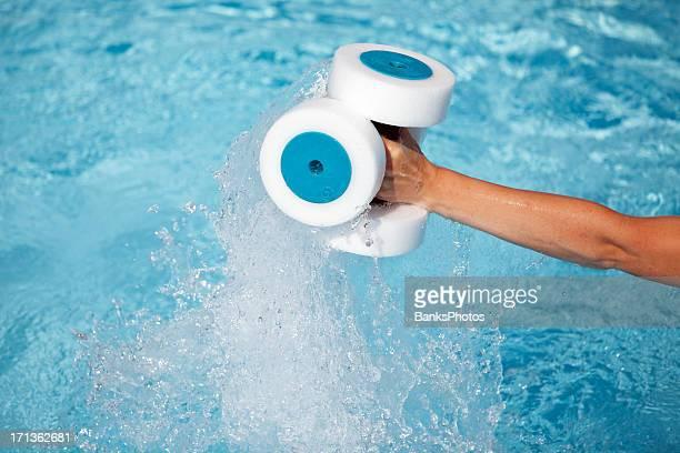 Acqua Fitness mano Buoys in uso