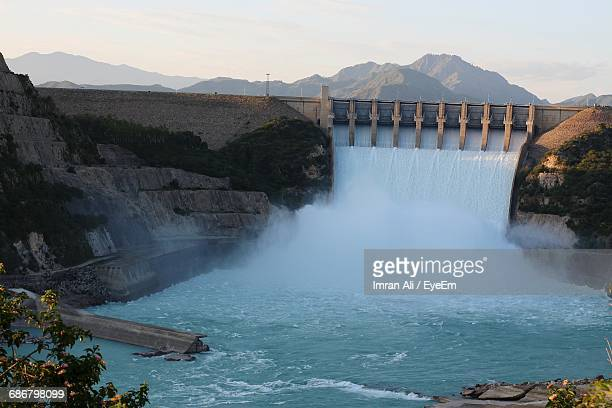 water flowing from tarbela dam - hydroelectric power stock pictures, royalty-free photos & images