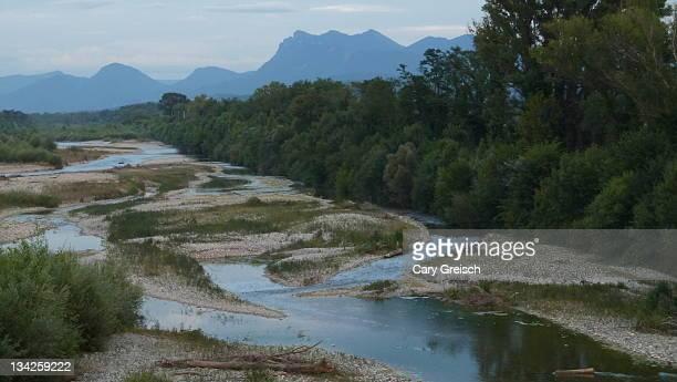water flowing through streams - cary stockfoto's en -beelden